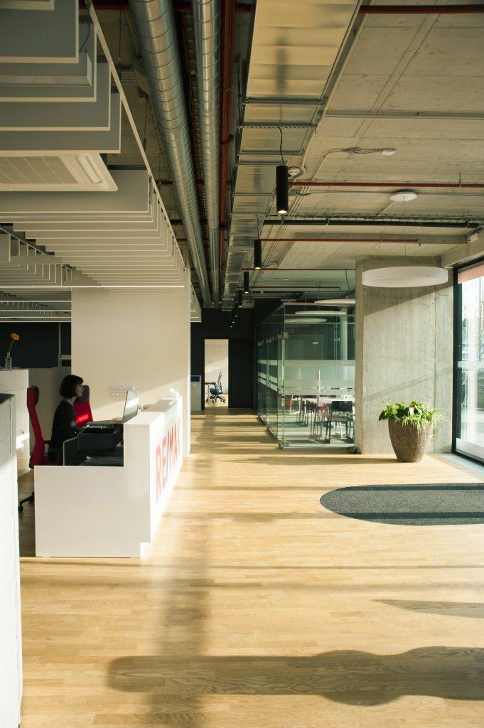 ABTSMOLEN Kanceláře Remax archizoom 1